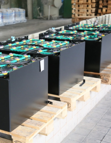 叉車電池的壽命是否受浮充電壓的影響
